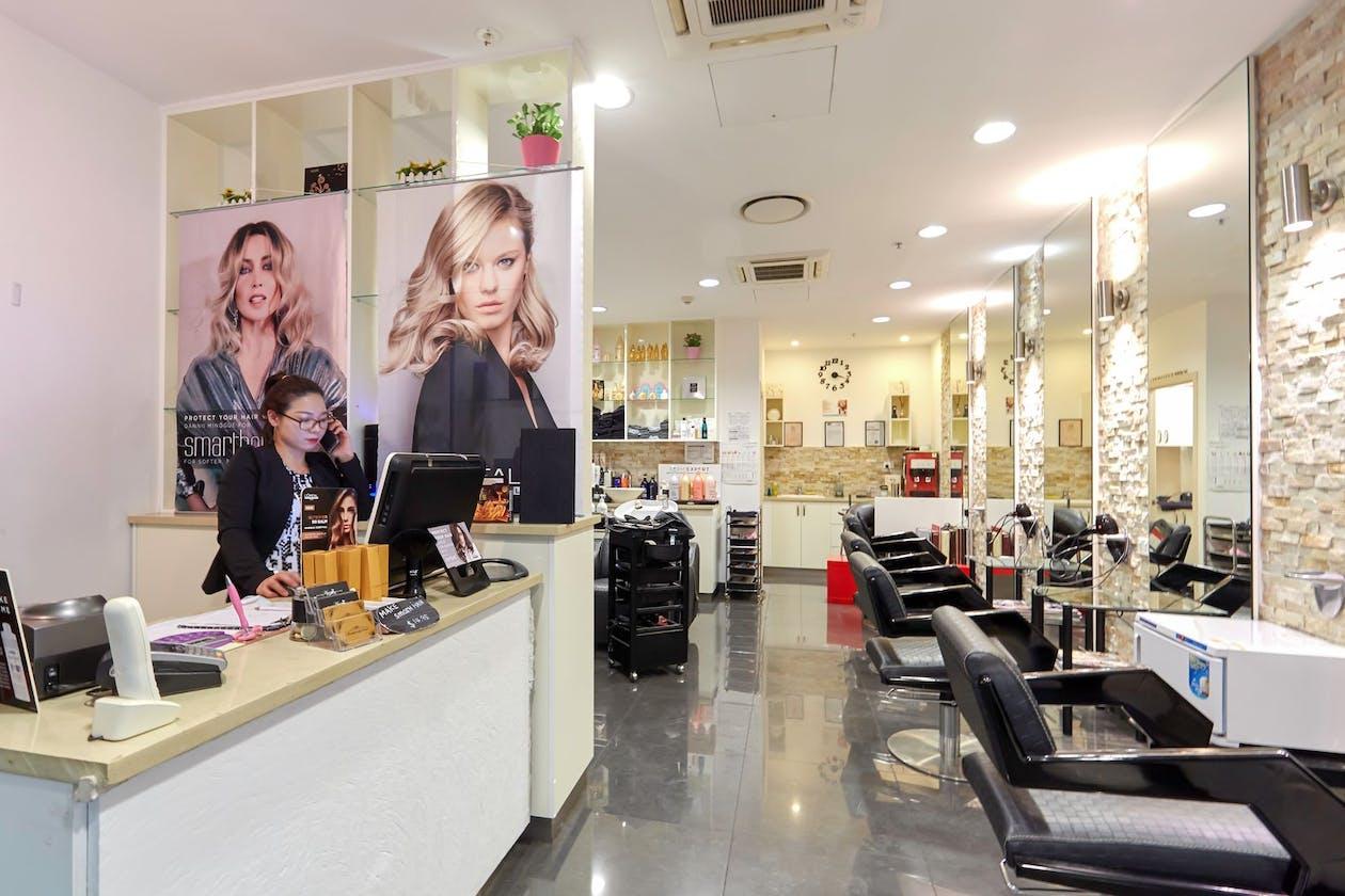 The Hue Hair Salon image 4