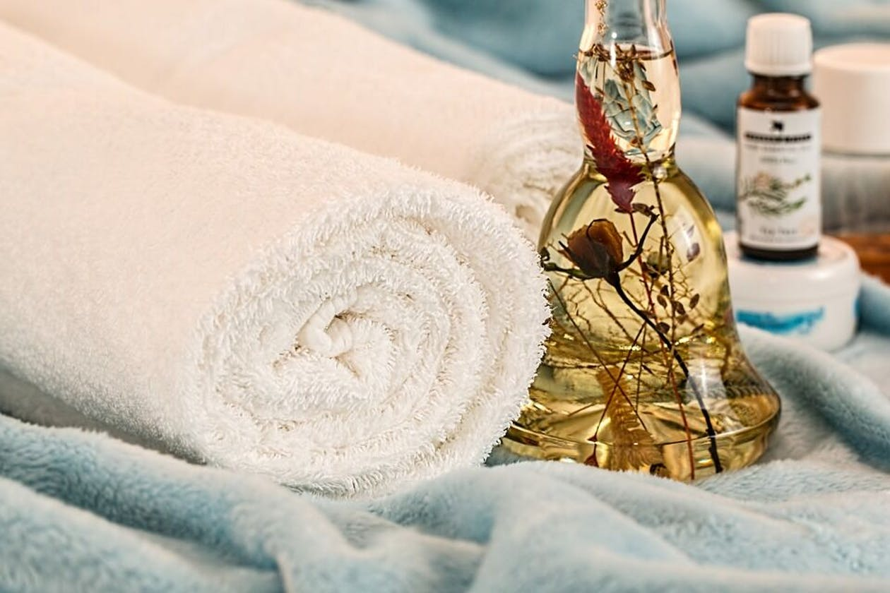 Relax and unwind massage therapy